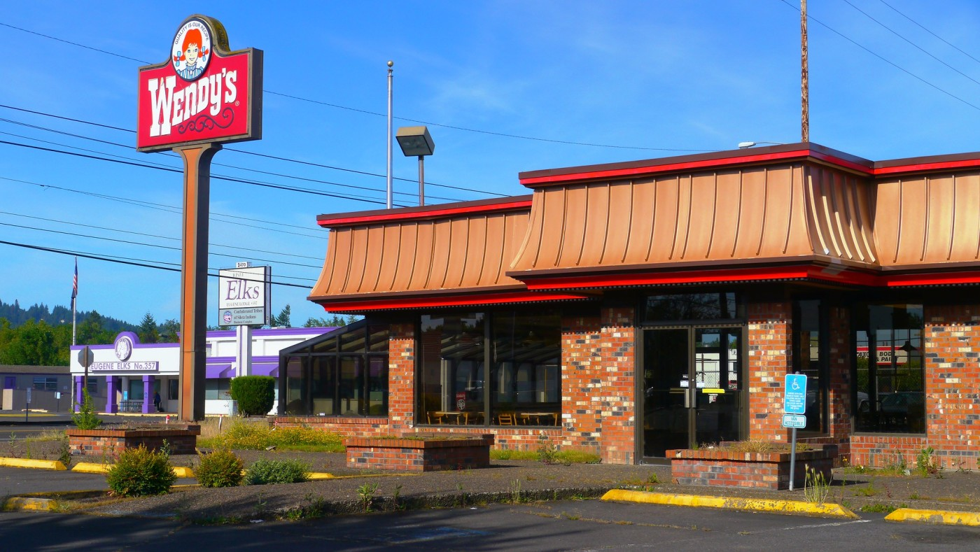 Photo of an old-style Wendy's in Eugene, Oregon